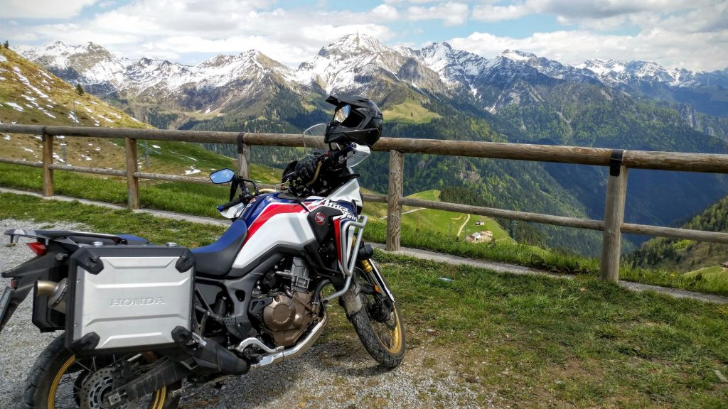 Honda CRF1000L con scarico Termignoni @ Passo San Marco
